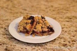 Quick Raspberry Oatmeal Crumb Bars